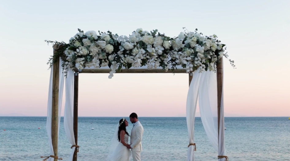 Jewish wedding in Mykonos